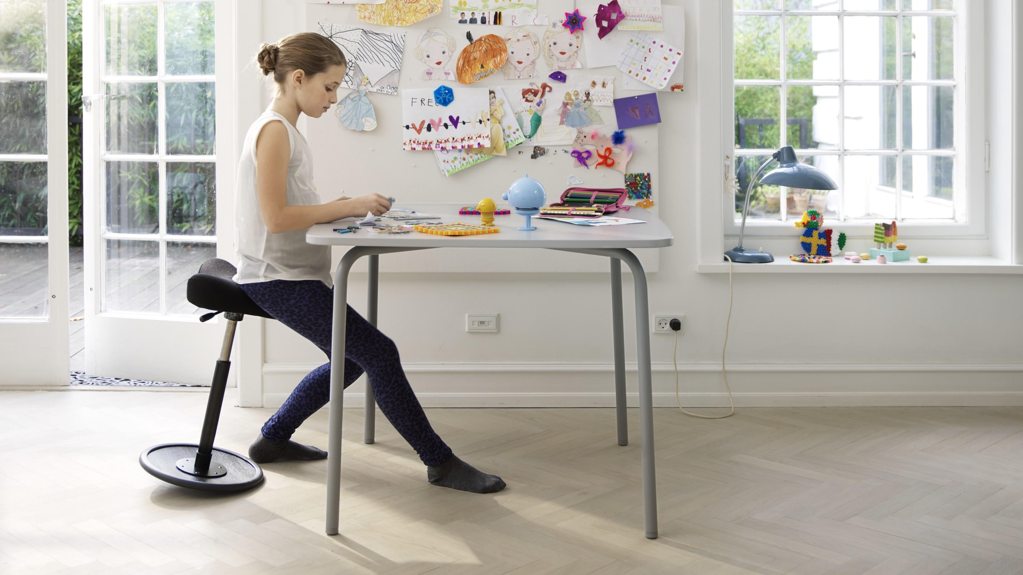 Trendy come scegliere una sedia ergonomica u la seduta a for Sgabello per scrivania